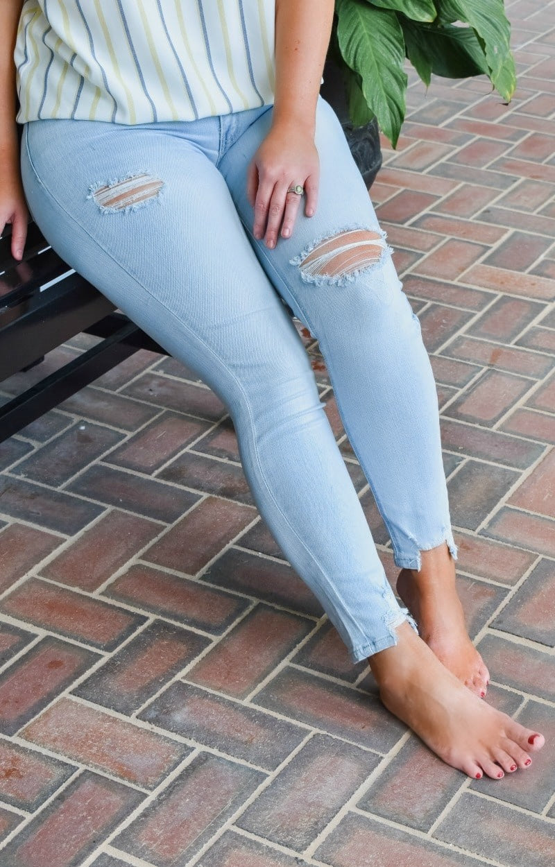 Look It Up Distressed Skinny Jeans