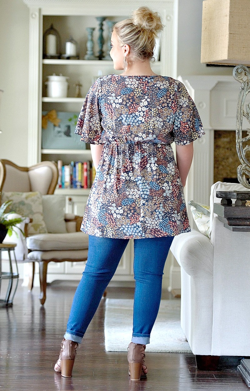 Load image into Gallery viewer, Last Kiss Floral Tunic Top - Navy