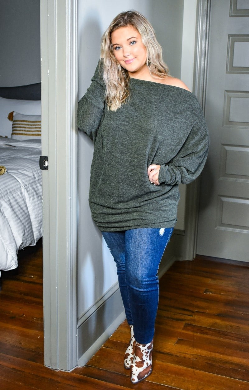 Cut To The Chase Top - Olive