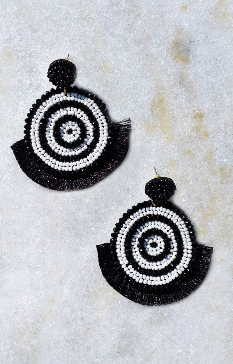 Load image into Gallery viewer, Under Hypnosis Earrings - Black/White