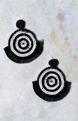 Under Hypnosis Earrings - Black/White