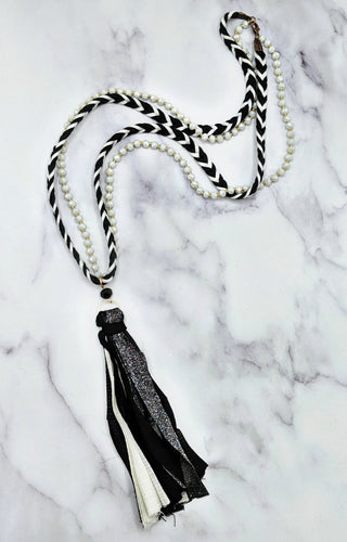 Don't You Know Necklace - Black/White