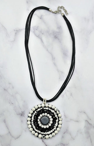 On Target Necklace - Black/White