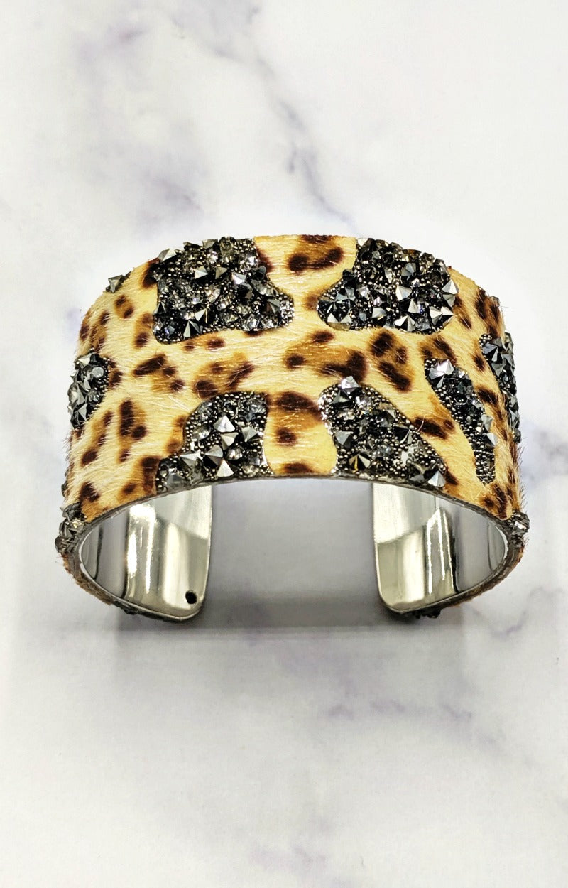 Load image into Gallery viewer, My Go To Leopard Print Cuff