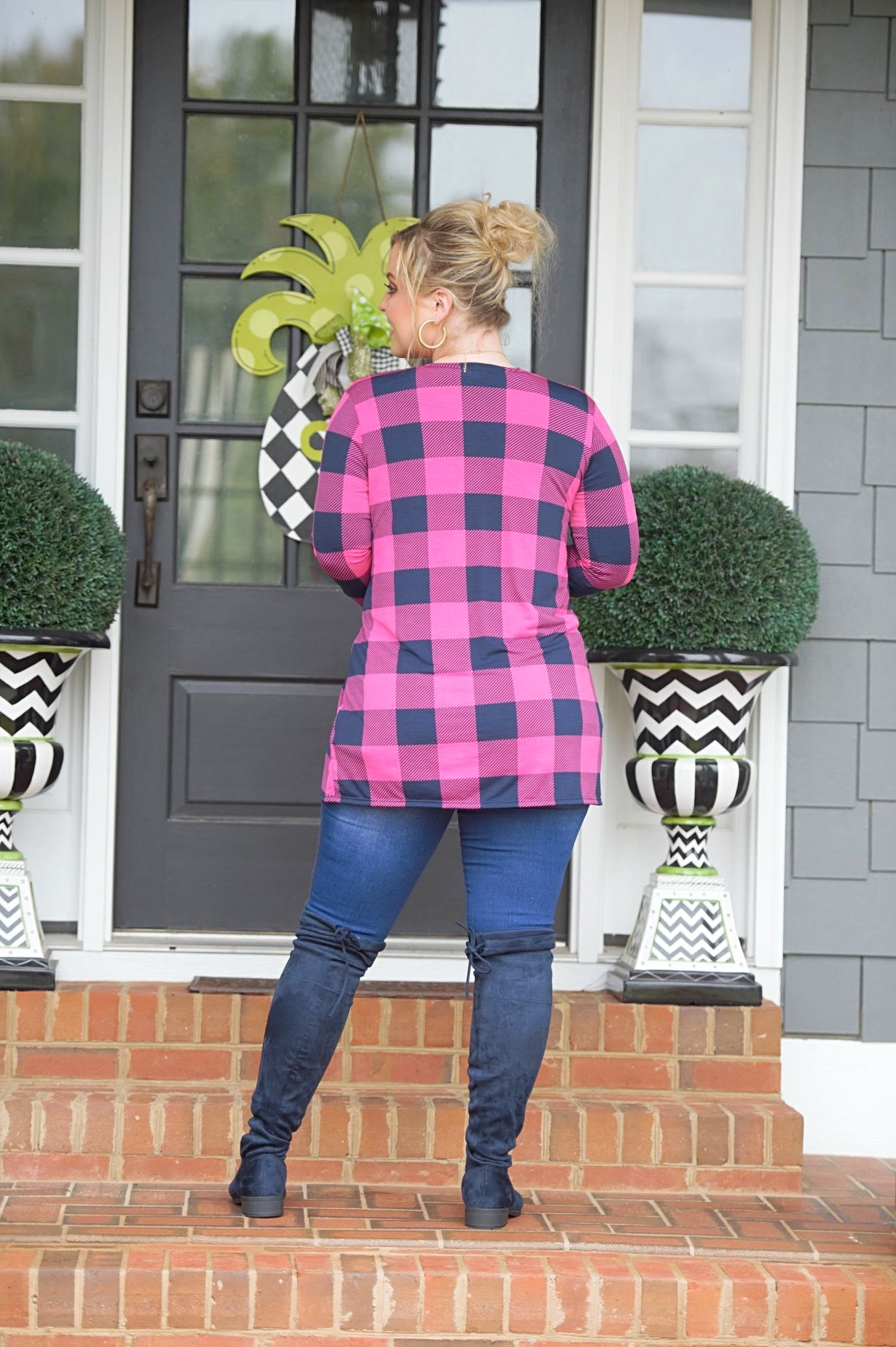 Load image into Gallery viewer, Take You Seriously Plaid Cardigan - Navy/Fuchsia