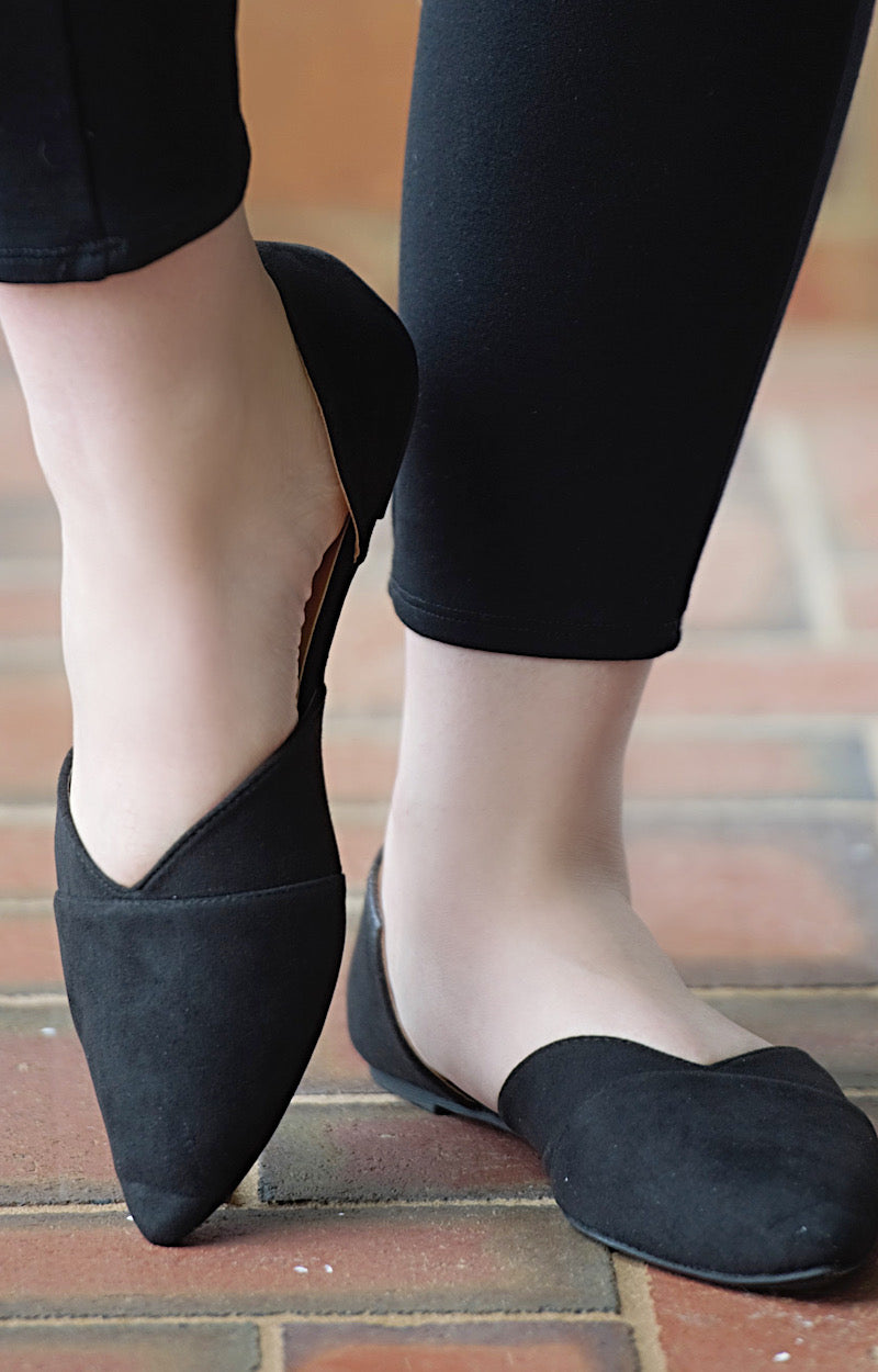 Got To Win Cutout Flats - Black