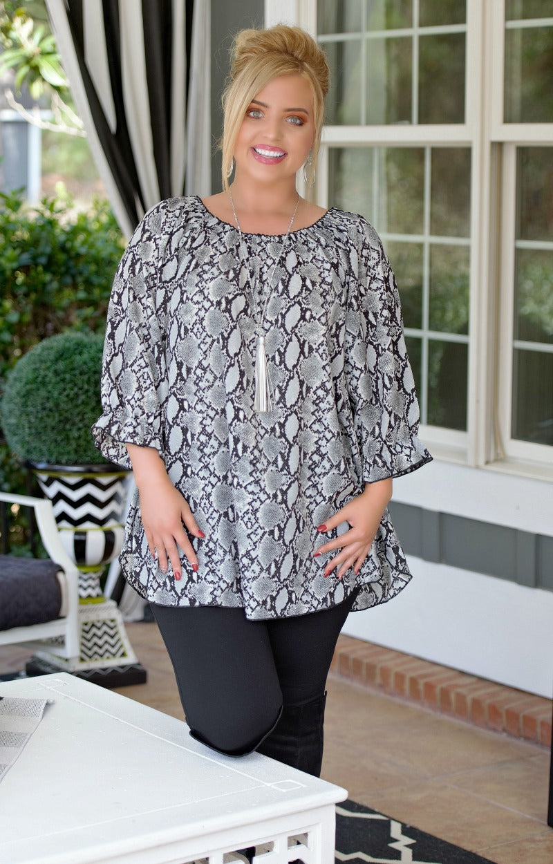 Load image into Gallery viewer, Create A Scene Snake Print Tunic Top - Gray