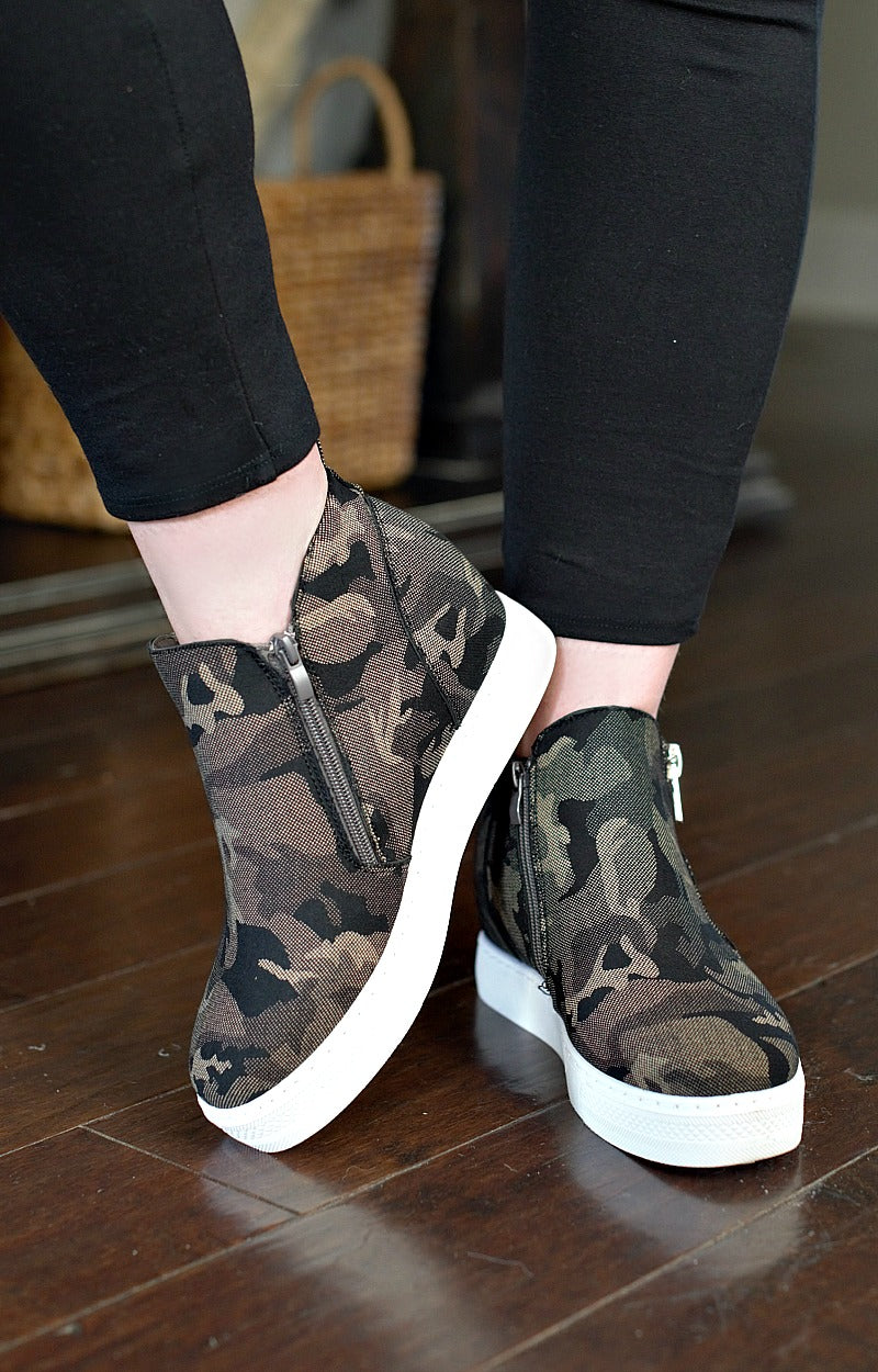 Come Find Me Wedge Sneakers - Camo