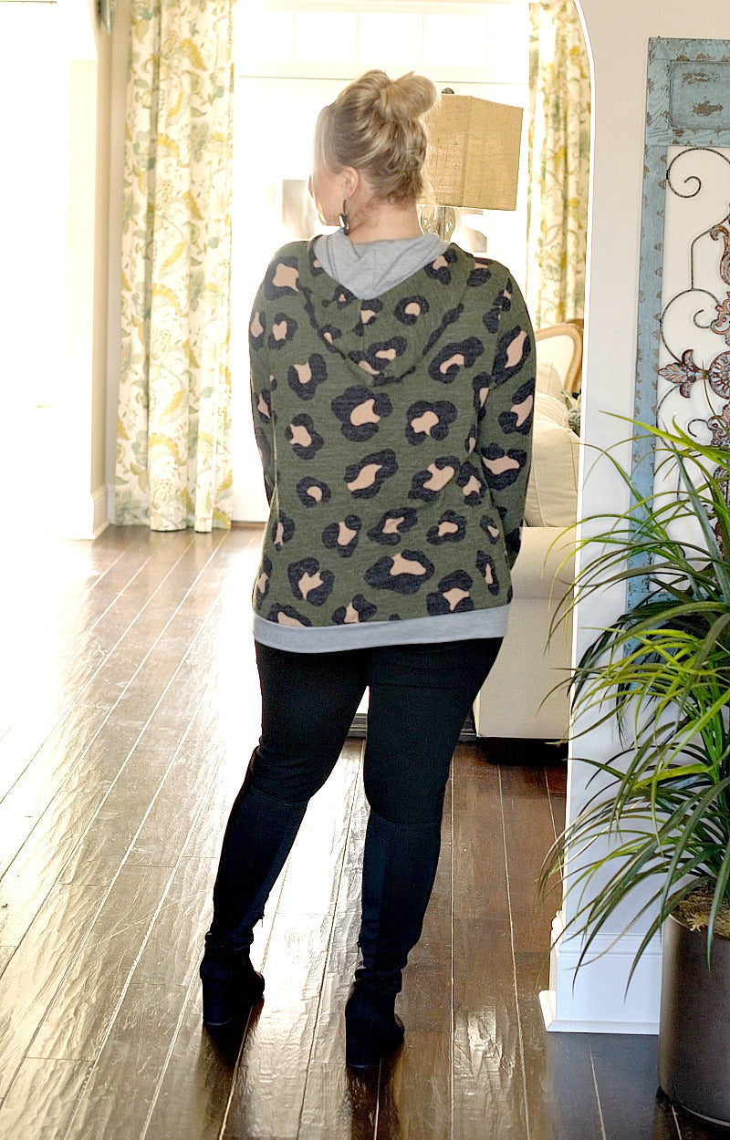 Load image into Gallery viewer, Dangerous Mistake Leopard Print Hooded Pullover