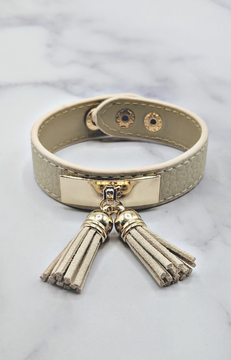 Load image into Gallery viewer, Taking Notes Bracelet - Ivory