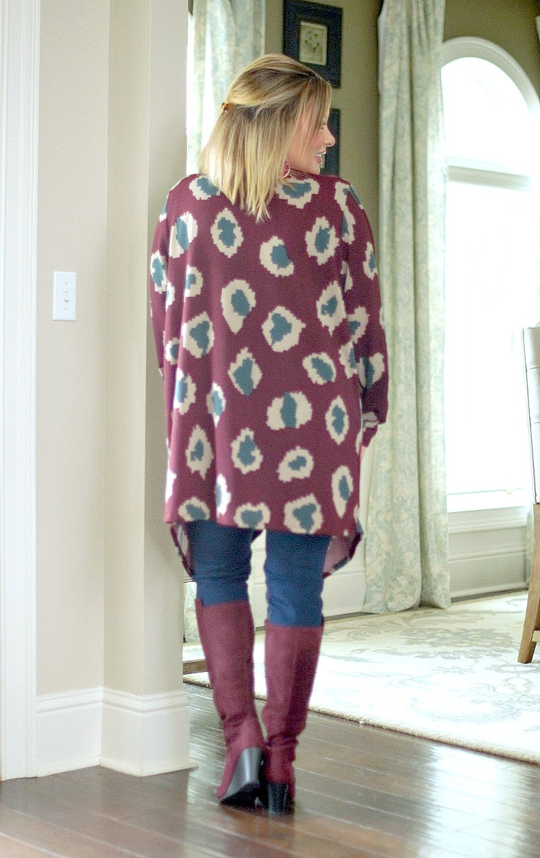 Load image into Gallery viewer, Out Of My Way Print Cardigan - Burgundy