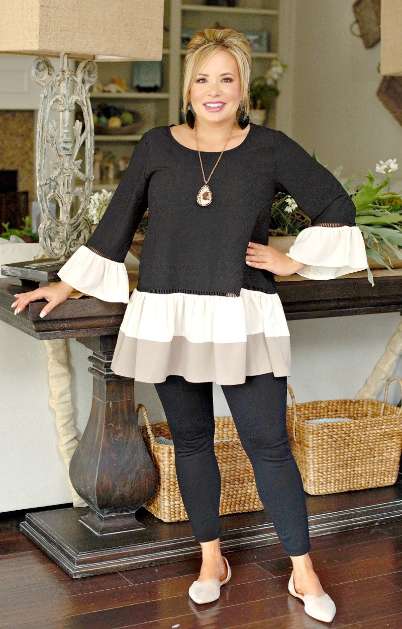 Load image into Gallery viewer, All Glamour Colorblock Top - Black/Cream