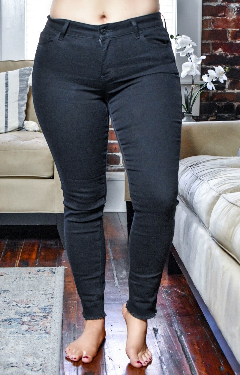 Load image into Gallery viewer, Give Me Some More Fringe Jeans - Black