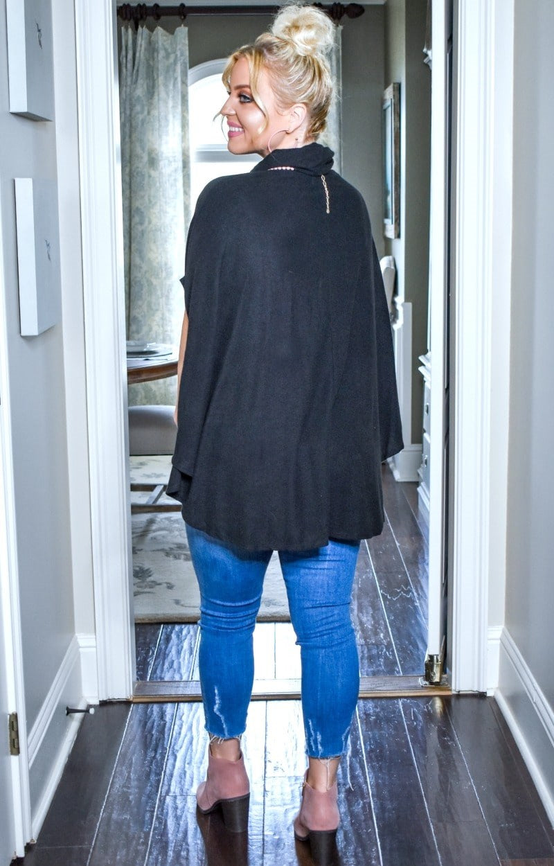 Load image into Gallery viewer, Expect The Unexpected Poncho - Black