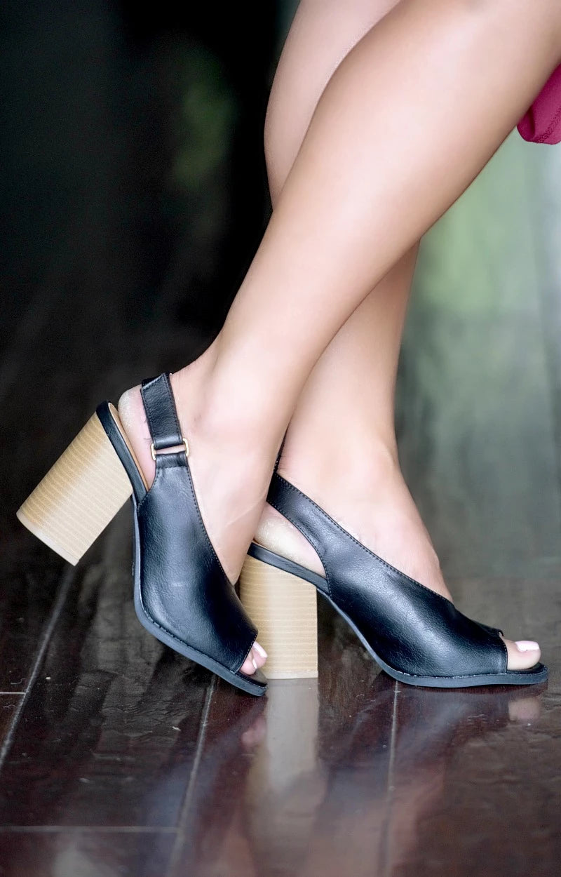 Load image into Gallery viewer, High Priority Slingback Heels - Black