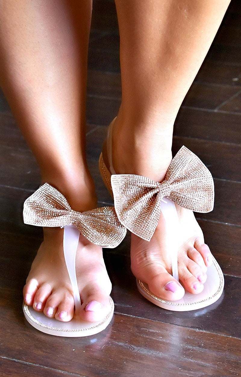 Load image into Gallery viewer, Memorable Sights Sandals - Blush