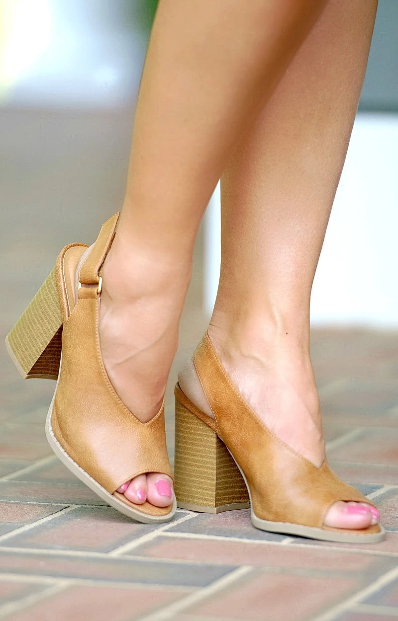 Load image into Gallery viewer, High Priority Slingback Heels - Tan
