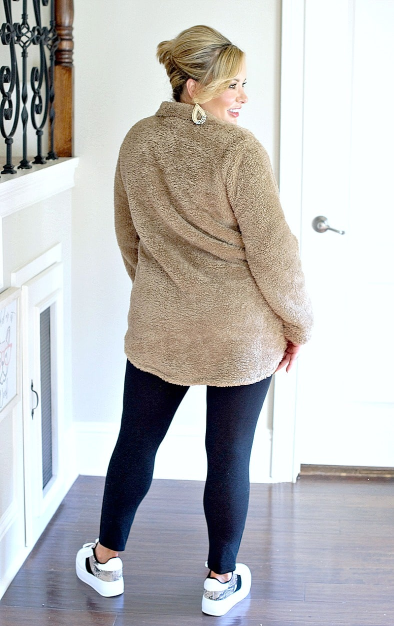 Load image into Gallery viewer, Warm Up To Me Pullover - Taupe