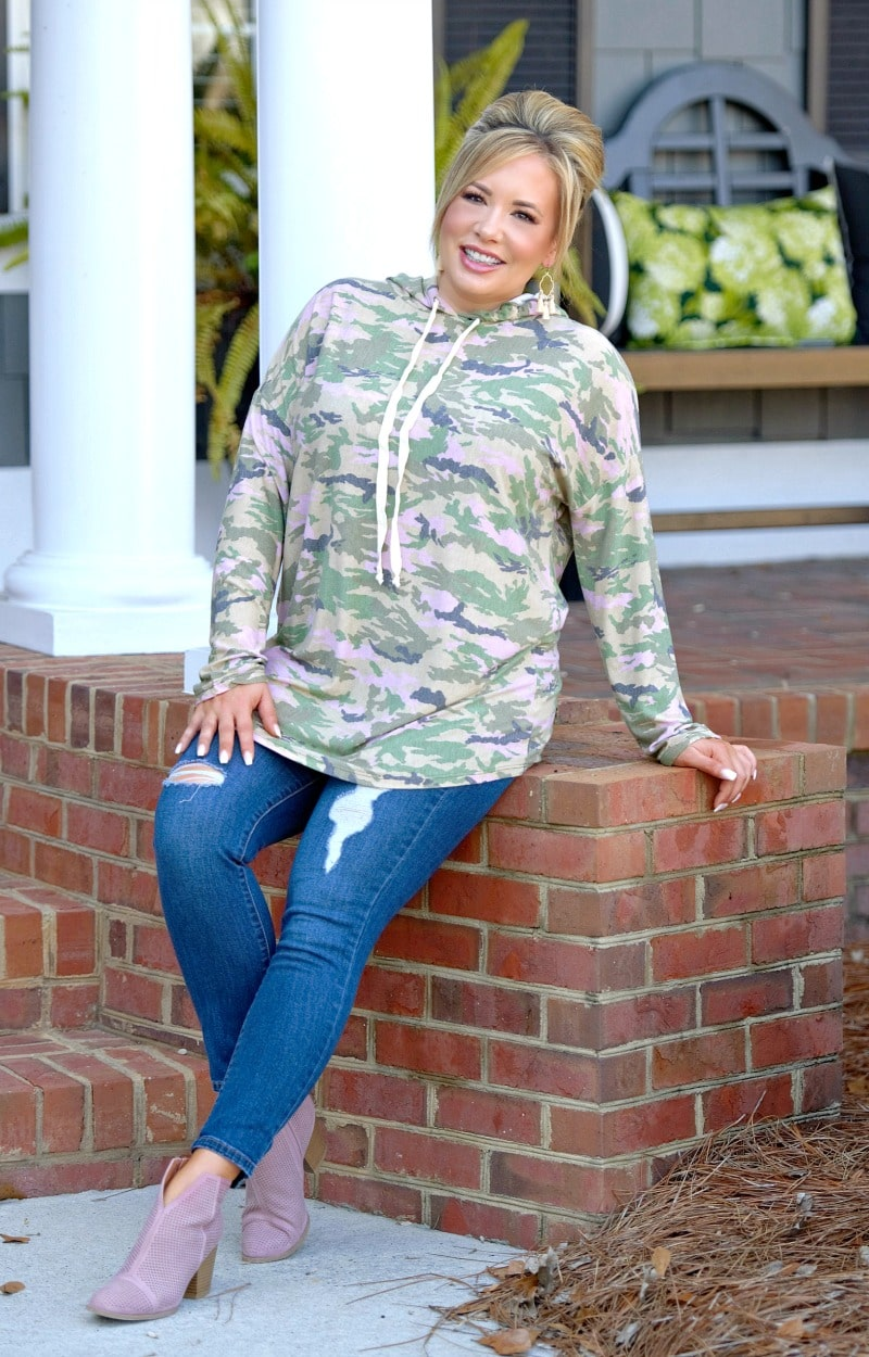 Load image into Gallery viewer, Cold Hearted Hooded Camouflage Pullover