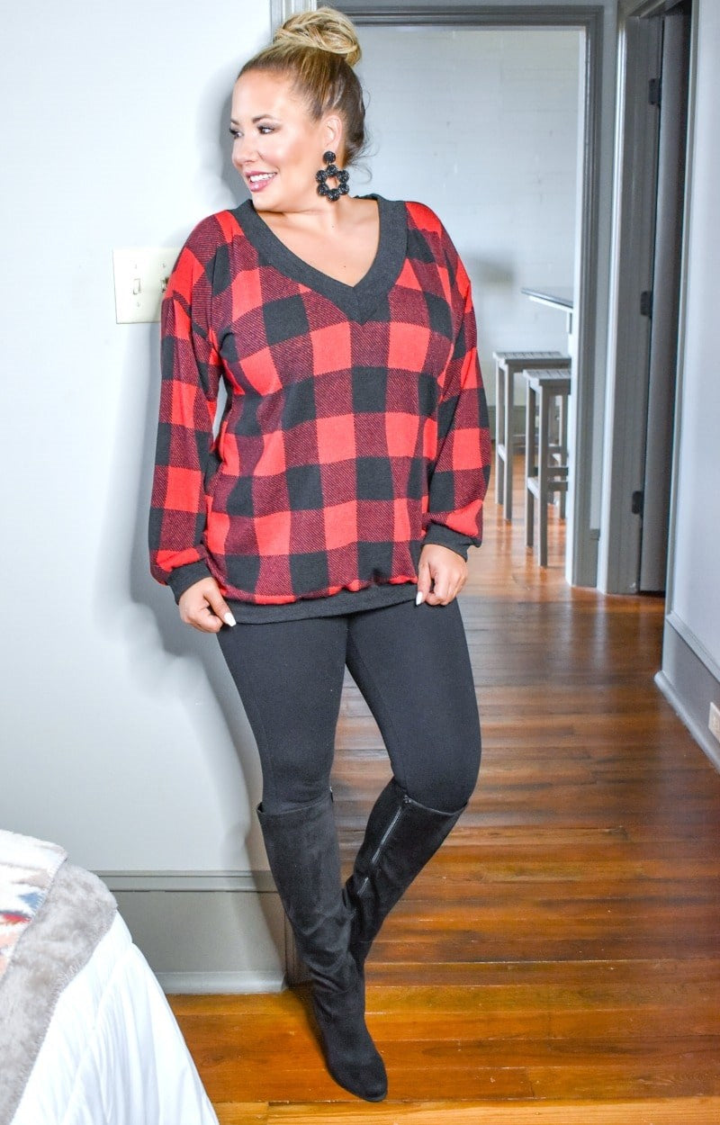 Weekend Memories Plaid Pullover - Black/Red