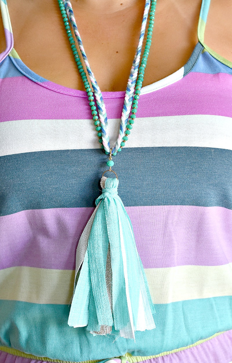 Load image into Gallery viewer, Don't You Know Necklace - Mint/White
