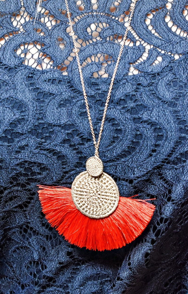 Very Fitting Necklace - Red