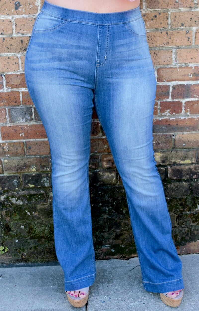 Load image into Gallery viewer, Right For Me Flare Jeggings - Medium Wash