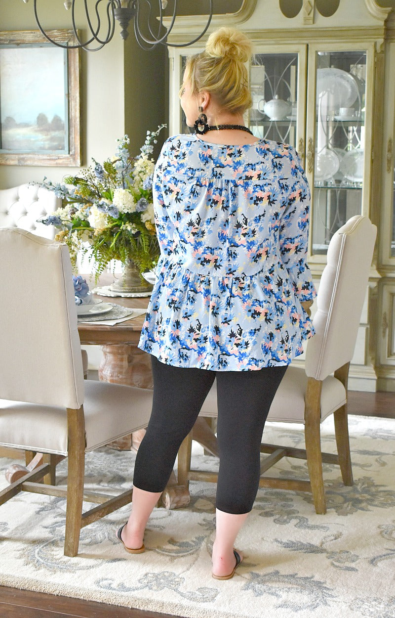 Load image into Gallery viewer, Sweet Touch Floral Top - Blue