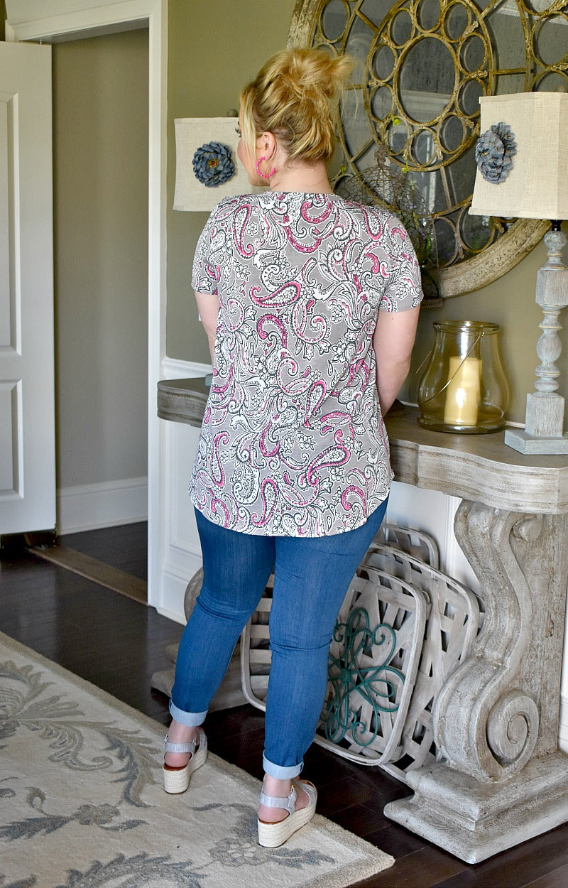 Load image into Gallery viewer, Close To The Heart Print Top - Gray/Pink