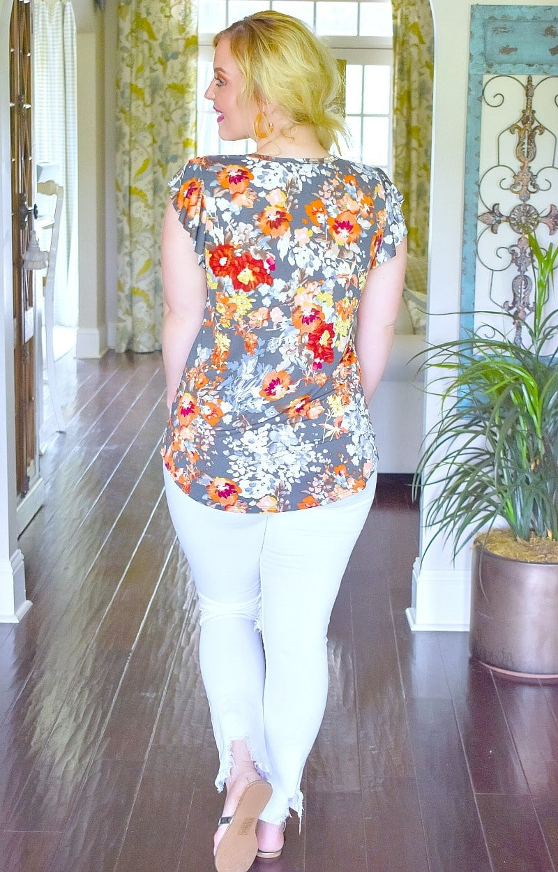 Load image into Gallery viewer, Such A Sweetheart Floral Top - Charcoal