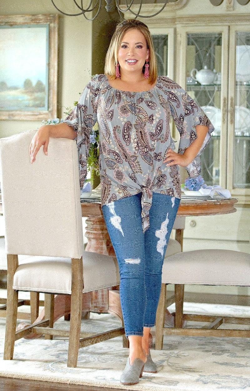 Don't Get Confused Print Top - Gray