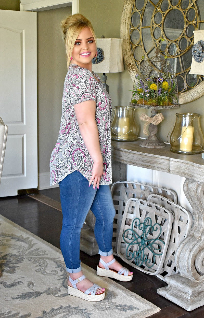 Close To The Heart Print Top - Gray/Pink