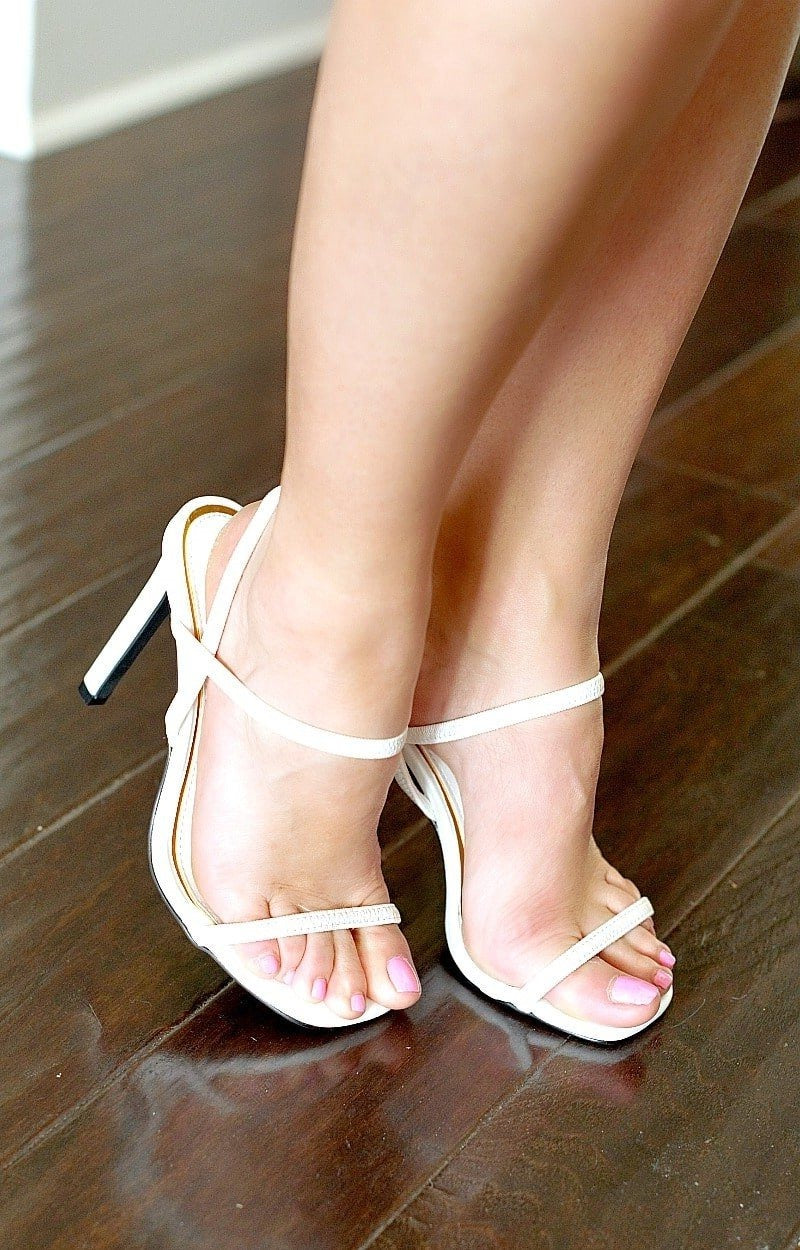 Load image into Gallery viewer, Got The Point Heels - White