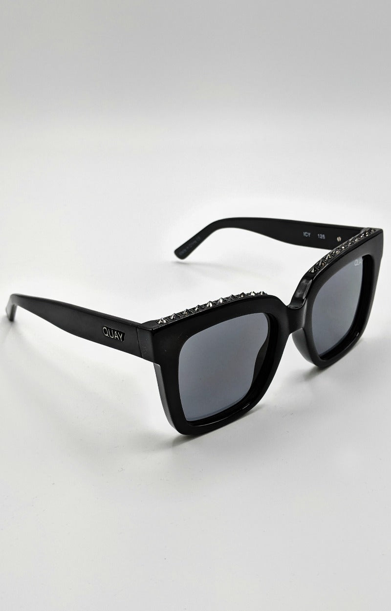 Load image into Gallery viewer, Quay Australia - Icy Studs Black/Smoke Sunglasses