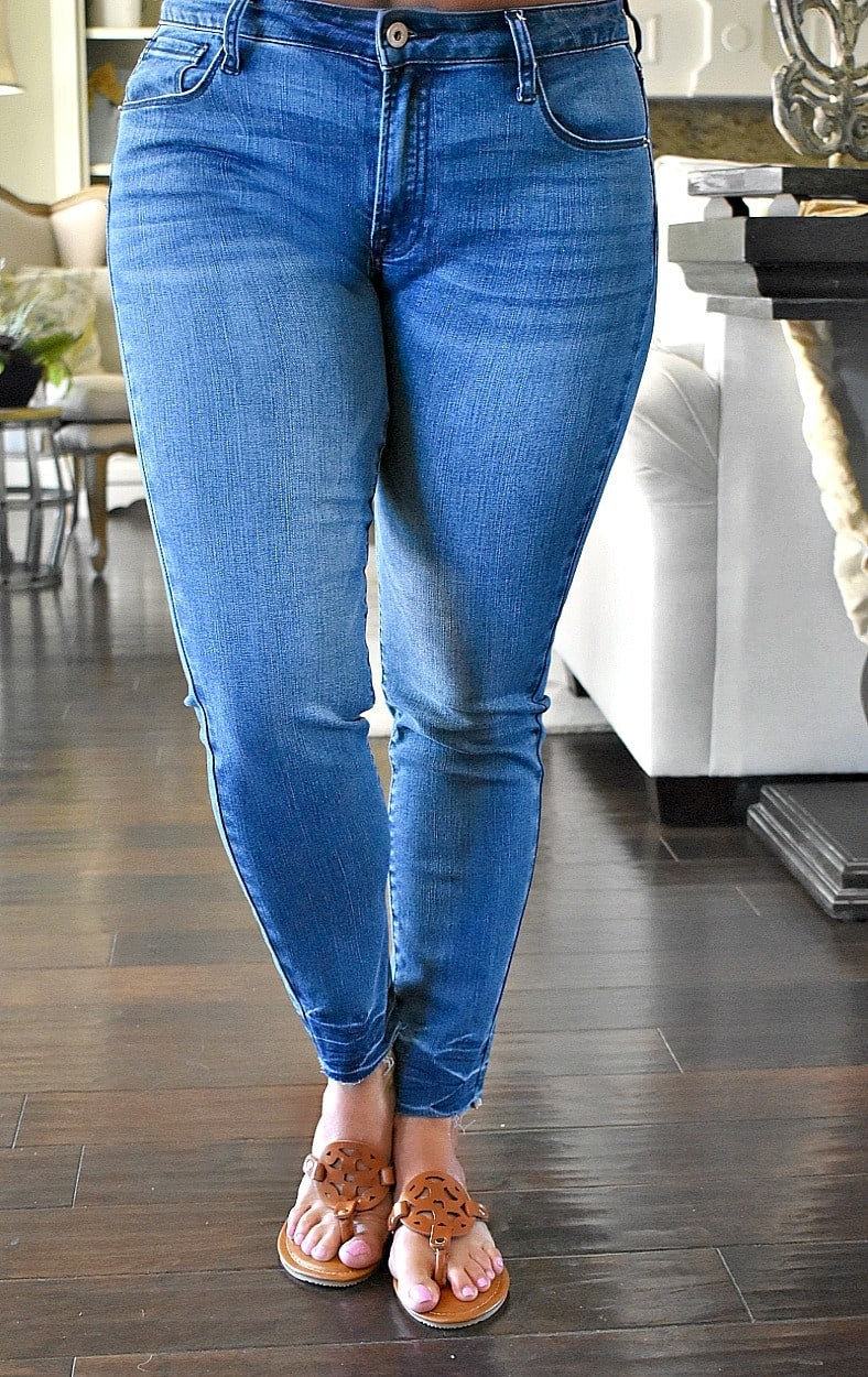 Load image into Gallery viewer, Back At You Skinny Jeans