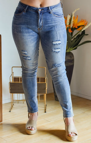 A Compelling Story Distressed Skinny Jeans