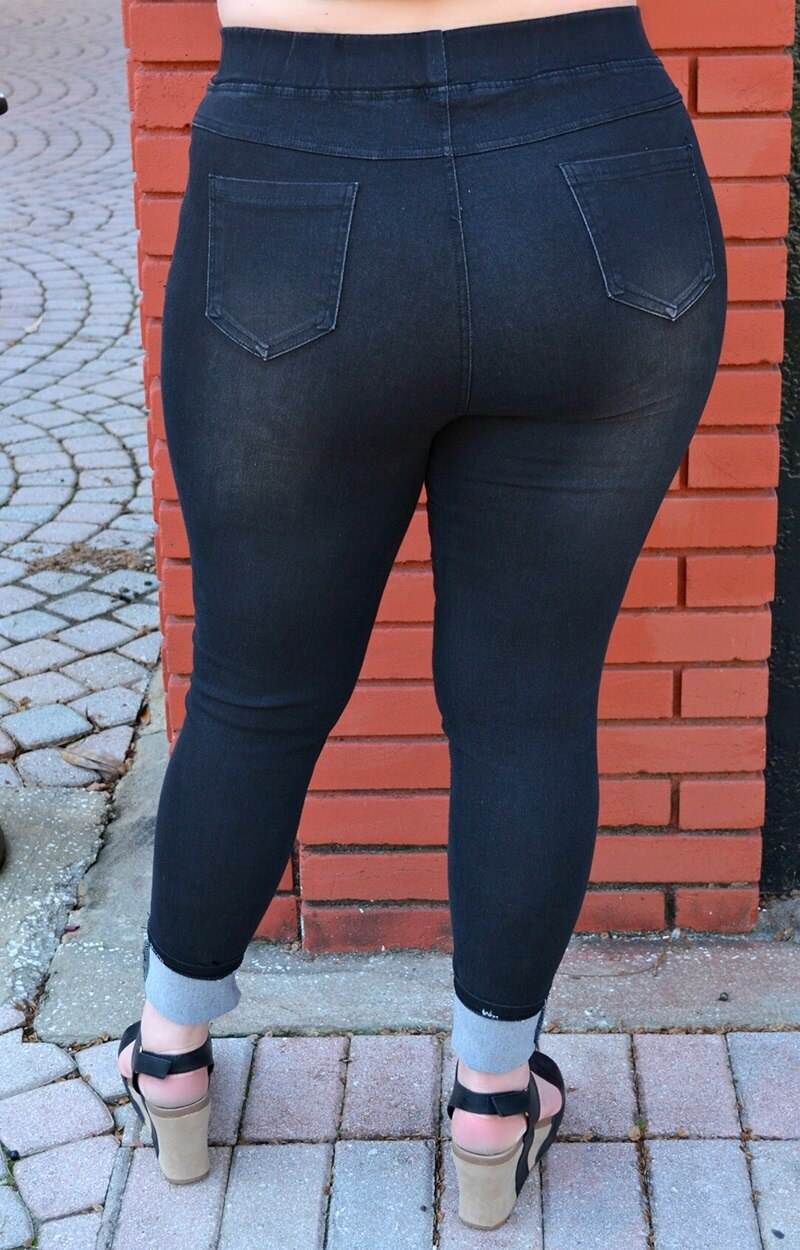 Load image into Gallery viewer, Always Get Noticed Jeggings - Black
