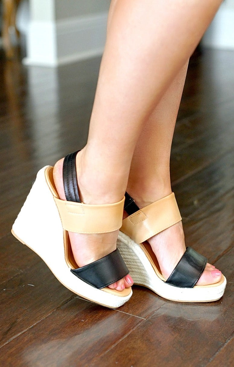 Leave Me Speechless Wedges - Black/Tan