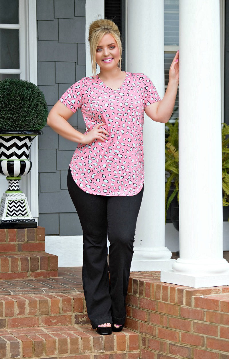 Load image into Gallery viewer, That's Enticing Leopard Print Top - Pink