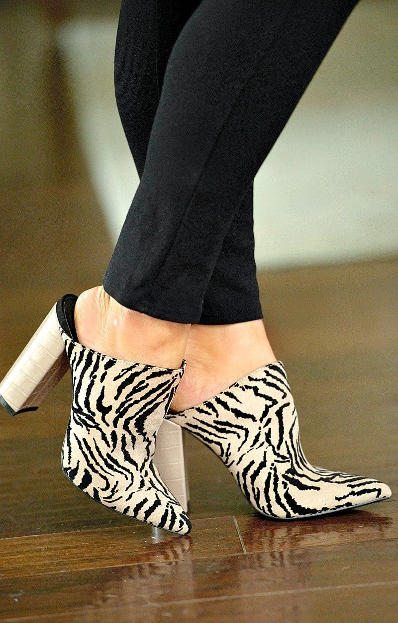 Cutting Up Print Mule - Taupe