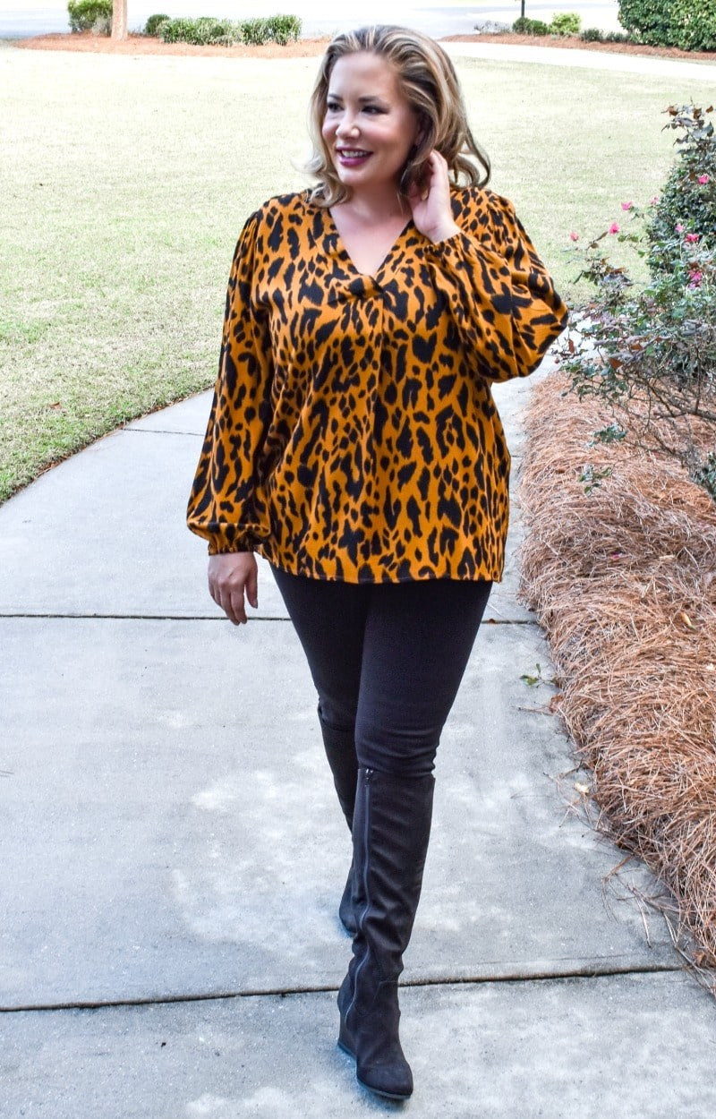Load image into Gallery viewer, Hearts Afire Leopard Print Top