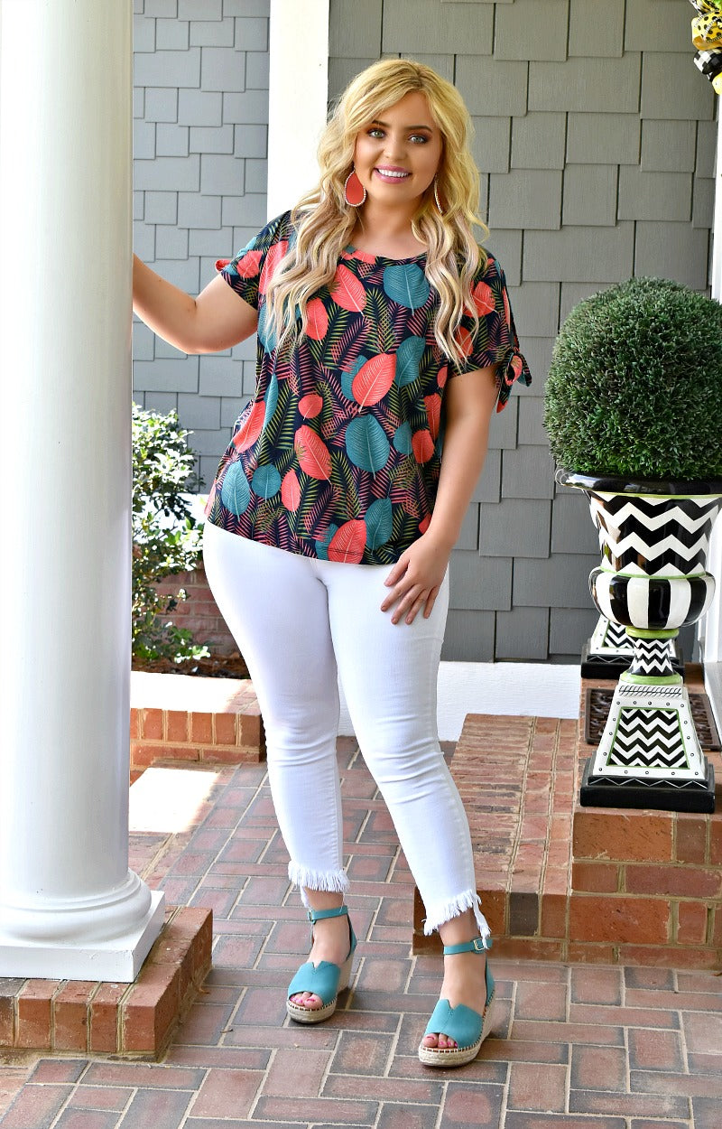 Going Coastal Print Top - Navy/Multi