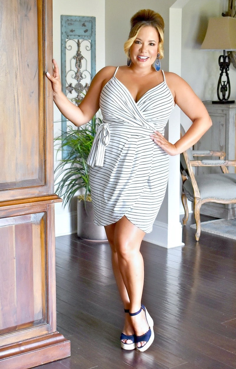 Load image into Gallery viewer, Can't Mess With Me Striped Dress - Navy/White