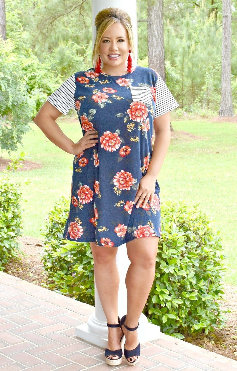 Load image into Gallery viewer, Peony For Your Thoughts Floral Dress - Navy