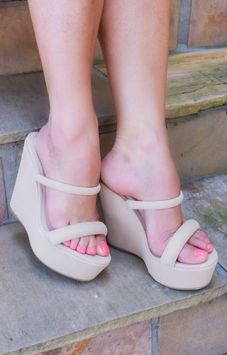 On Your List Wedges - Natural