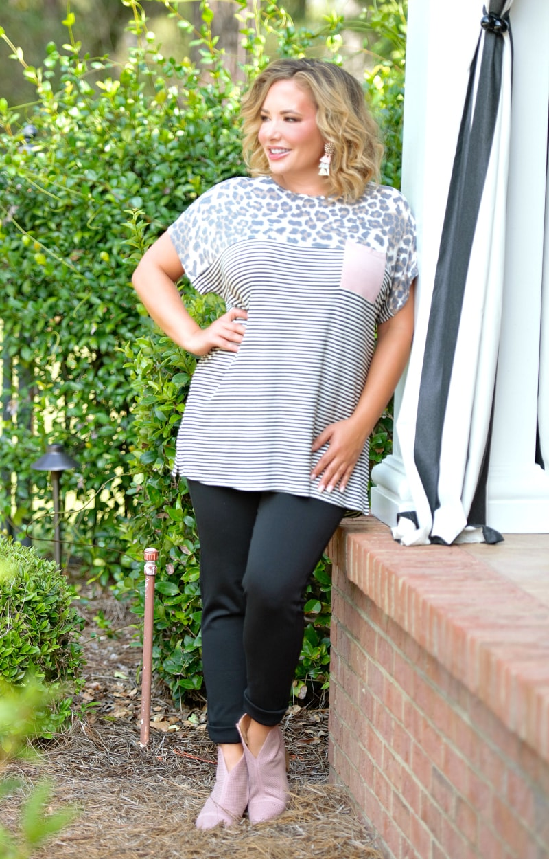 Caught In The Act Print Top - Ivory/Black