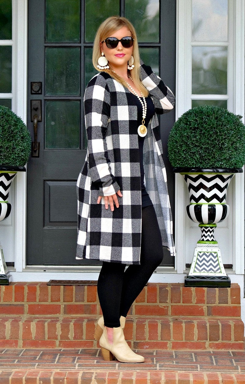 Load image into Gallery viewer, Only Want You Plaid Cardigan - Black/Ivory