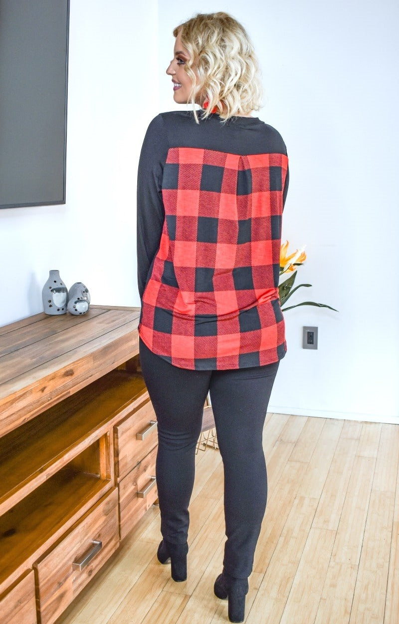 Full Of Grace Buffalo Plaid Top - Black/Red