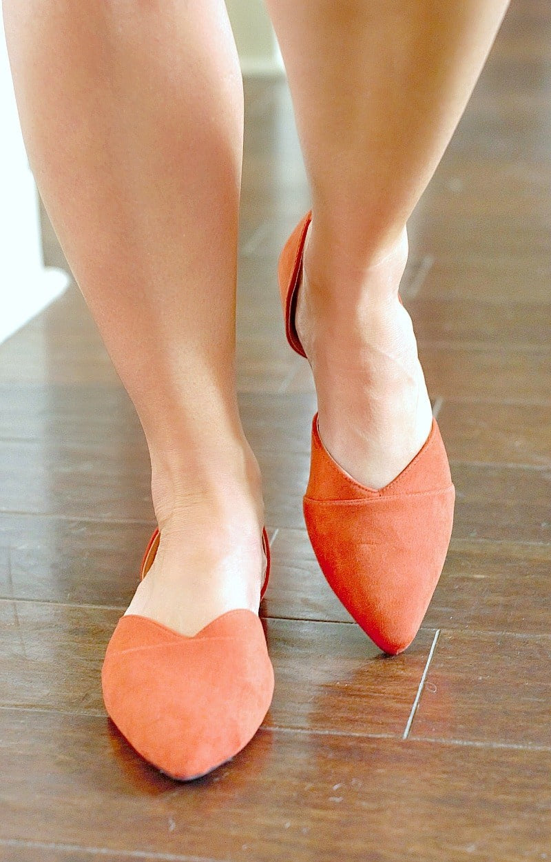 Got To Win Cutout Flats - Brick