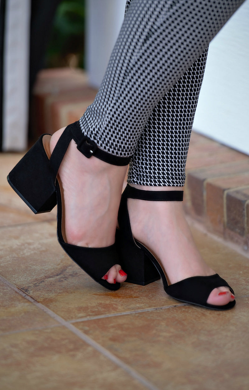 Load image into Gallery viewer, Best By Far Ankle Strap Heels - Black